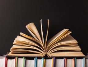 Bari social book, inaugurazione biblioteca dell'anziano